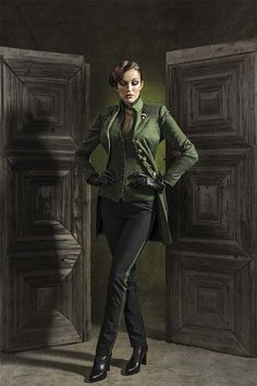 esmeralda Slytherin, Witch Fashion, German Fashion, Dieselpunk, Mode Inspiration, Leather Gloves, Dress Codes, Lady, What To Wear