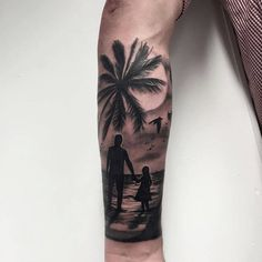 Best father tattoos designs and ideas for men and women who are willing to have some heart touching tattoos to dedicate to your father. Here we have some coolest father tattoos designs and ideas. Mommy Tattoos, Hand Tattoos, Baby Feet Tattoos, Tattoos Arm Mann, Baby Name Tattoos, Family Tattoos, Body Art Tattoos, Small Tattoos, Sleeve Tattoos