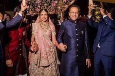 Trending Phoolon ki Chadar Styles for 2019 Wedding Trends - Witty Vows Gold Lehenga, Bridal Lehenga, Indian Wedding Theme, Bridal Makeup Tips, Wedding Trends, Vows, Wedding Photography, Couture, Bride