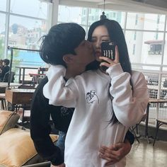 Image in 💖Couple /Relationship Goals💘 collection by Amira Relationship Goals Pictures, Couple Relationship, Cute Relationships, Korean Couple, Best Couple, Couple Ulzzang, Ulzzang Girl, Parejas Goals Tumblr, Couple Goals Cuddling