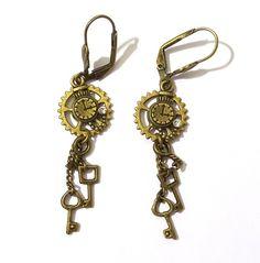 Boucles d'oreille Steampunk avec rouage, montre gousset et trio de clefs en métal de couleur bronze