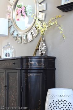 "Decor Chick updated her entryway with new accessories for the ""New Year, New Style: Decorating on a Budget"" Blogger Challenge."