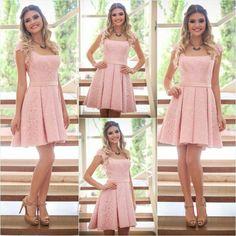A renda é sempre um poderoso recurso de estilo para compor produções delicadas e femininas, por isso somos apaixonadas pelo trabalho da nossa estilista @marthamedeirosmoda! O vestido curto que temos na loja é sofisticado, feminino, delicado e atemporal! Informações ➡ WhatsApp: (67) 8136-3529 ou pelo e-mail: vendas.madresanta@gmail.com #temnaloja #look #lookdodia #lookoftheday #verão16 #verão16madresanta