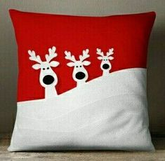 68 Huggable Christmas Red Pillow Design Ideas You Will Totally Love - Decoralink Christmas Cushions, Christmas Pillow, Christmas Sewing, Red Christmas, Christmas Projects, Holiday Crafts, Red Pillows, Throw Pillows, Holiday Mood