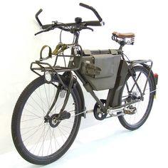 Troops riding on this bike do not exist anymore :-( Swiss Army Bike, Military Mountainbike Buy Bike, Bike Run, Rando Velo, Specialized Bikes, Road Bike Women, Cargo Bike, Touring Bike, Bicycle Maintenance, Cool Bike Accessories