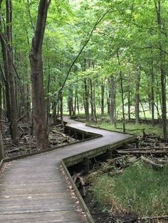 10 Out-of-This World Hikes In Ohio That Lead To Fairytale Foot Bridges