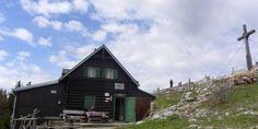Gauermannhütte Der Bus, Cabin, House Styles, Snow Mountain, Central Station, Mountain Range, Tourism, Alps, Cabins