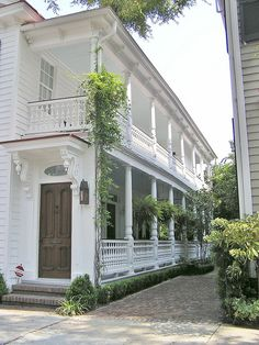 Charleston single house. Been there many times love that town.