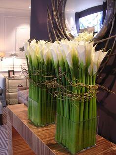 Planet Flowers: March 2008 Fake Flowers, Fresh Flowers, Beautiful Flowers, Flower Shop Decor, Flower Decorations, Hotel Flower Arrangements, Hotel Flowers, Lavender Crafts, Corporate Flowers