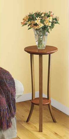 Simply Graceful Plant Stand & Steam-Bending Technique Woodworking Plan from WOOD Magazine Woodworking Furniture, Woodworking Crafts, Wood Furniture, Woodworking Plans, Woodworking Videos, Woodworking Tools, Youtube Woodworking, Woodworking Patterns, Woodworking Techniques