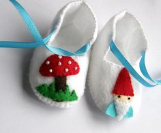 ...just gonna wait for Jessi-kins to produce a gnome of her own, and THEN make these... (PS. Take your time please!)