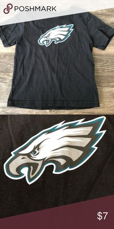 EAGLES logo black t shirt EAGLES logo black t shirt NFL Shirts & Tops Tees - Short Sleeve