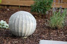 DIY concrete garden balls-I always wanted one, now I have no excuse.