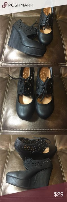 Call it Spring Platform Shoes ✨Excellent Condition✨.                                                    ✨Bundle and Save✨.                                                        ✨Reasonable Offers Welcome✨ Call It Spring Shoes Platforms