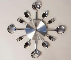 Reloj de Pared Utensilios - Grande. Mira mas imagenes en: http://www.gaiadesign.com.mx/reloj-de-pared-utensilios-grande.html