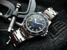 Rolex Watches - Our Favorites - tudor submariner snowflake vintage watch Source by ashtonbb - Sport Watches, Cool Watches, Watches For Men, Wrist Watches, Tudor Submariner, Rolex Submariner, Luxury Watches, Rolex Watches, Rolex Tudor