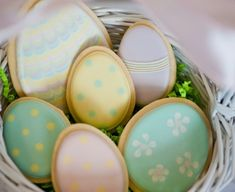 easter-egg-cookies-sweetopia-590x392