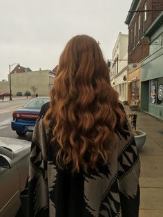 v-shape :) All Hairstyles, Pretty Hairstyles, Wavy Hair, Her Hair, Hair Inspo, Hair Inspiration, Curly Hair Styles, Natural Hair Styles, Long Brunette