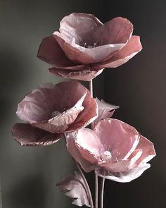 Image gallery – Page 523332419198367778 – Artofit Organza Flowers, Crepe Paper Flowers, Fabric Flowers, Giant Flowers, Leaf Flowers, Leather Flowers, Flower Frame, Modern Prints, Handmade Flowers