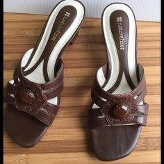 DONATING ALERTNATURALIZER STELLA COFFEE W/ Box Pre-loved in great condition! Very little wear! Super cute and great brown color! With box! Retail price on box $79.00! Wonderful brand and cute shoe! Naturalizer Shoes