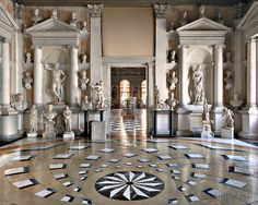 Massimo Listri - Works - Libraries: Biblioteca Nazionale Marciara II, Venezia