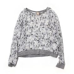 Pre-owned H&M Long Sleeve Silk Top (63 PEN) ❤ liked on Polyvore featuring tops, grey, grey top, h&m tops, grey silk top, silk top and gray top