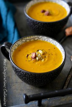 Creamy pumpkin soup Source by cricrieD Crockpot Steak Recipes, Soup Recipes, Cooking Recipes, Creamy Pumpkin Soup, Confort Food, Fall Dessert Recipes, Homemade Soup, I Love Food, Coco