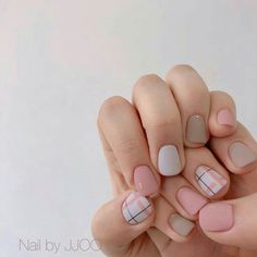 51 amazing spring nail art designs ideas to try in 2020 16 Spring Nail Art, Spring Nails, Stylish Nails, Trendy Nails, Short Nails Art, Minimalist Nails, Manicure E Pedicure, Dream Nails, Cute Acrylic Nails