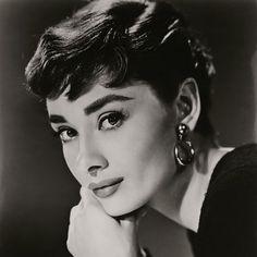 """Nuevas fotos de la actriz británica se expondrán en la Galería Nacional de Retratos de Londres. """"No me hago ilusiones acerca de mi aspecto. Creo que tengo una cara un poco rara""""."""