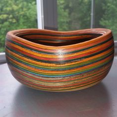 Post with 0 votes and 214 views. Bowl made from recycled skateboard noses and tails Modern Wood Furniture, Plywood Furniture, Diy Furniture, Skateboard Design, Skateboard Art, Reuse Recycle, Recycling, Wood Turned Bowls, Turned Wood