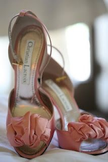 pink wedding shoes are lovely