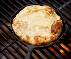 Bannock bread Theres nothing like noshing on a warm piece of bread after a long day outside. If packing a loaf for later isnt practical, your hopes of a warm treat shouldnt be dashed. Dutch Oven Cooking, Fire Cooking, Outdoor Cooking, Dutch Ovens, Cooking 101, Cooking Ideas, Backpacking Food, Camping Meals, Camping Hacks