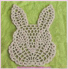 MIRIA CROCHÊS E PINTURAS: APLIQUES DE CROCHÊ Thread Crochet, Knit Or Crochet, Crochet Motif, Crochet Designs, Crochet Doilies, Easy Knitting Patterns, Crochet Patterns, Crochet Placemats, Crochet Bikini Pattern