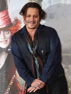 Johnny Depp was in London this weekend to promote Alice Through The Looking Glass which opens in a couple of weeks. Description from laineygossip.com. I searched for this on bing.com/images