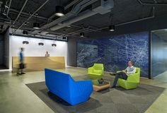 Steven Christensen Architecture has developed the new headquarters offices of software company Venafi located in Salt Lake City, Utah. When software Corporate Office Decor, City Office, Corporate Interiors, Office Interiors, Interior Work, Office Interior Design, Modern Interior, Office Ceiling, Office Walls