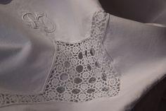 Antique French Pair of Linen Sheets RJ RI Monogram C. Linen Sheets, Linen Upholstery Fabric, Duvet Bedding, Vintage Country, Country Farmhouse, Crochet Lace, French Antiques, Linens, Casa De Campo