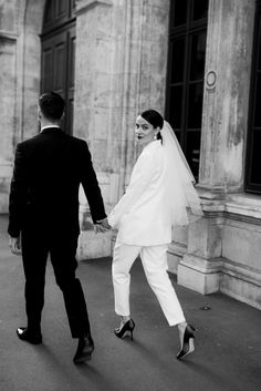 Pre Wedding Poses, Pre Wedding Photoshoot, Wedding Shoot, Wedding Pictures, Korean Wedding Photography, Couple Photography Poses, Wedding Photography Inspiration, Civil Wedding, Courthouse Wedding