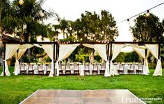 Five Tips and Trends To Stylize Your Wedding Reception Tablescape  / national wedding photographers
