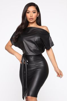 Classic skinny jeans with high waist – dark denim – fashion nova jeans Leather Jumpsuit, Leder Outfits, Femmes Les Plus Sexy, Swimsuits For Curves, Curve Dresses, Curves Clothing, Fashion Nova Models, Black Midi Dress, Fashion Nova Black Dress