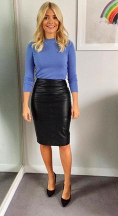 The best looks from Holly Willoughby's working wardrobe and where to buy them Die besten Looks aus Holly Willoughbys Arbeitsgarderobe und wo man sie kaufen kann Holly Willoughby Outfits, Holly Willoughby Style, Fashion Looks, Work Fashion, Fashion Outfits, Office Fashion, Black Leather Pencil Skirt, Leather Skirts, Leather Leggings