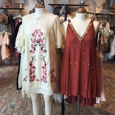 Summer lovin'  @freepeople  #dress #summerdress #slipdress #floralprint #sequindress #vneckdress #minidress #crochet #victorianinspired #freepeople @pixxyapp
