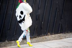 Streetstyle: looks fun dominam Londres durante a temporada masculina - Vogue | Streetstyle