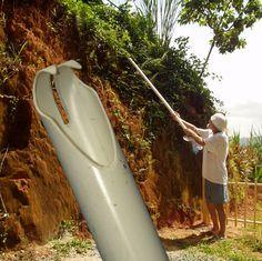 DIY PVC pipe berry picker. DIY Tuyau pour cueillir vous fruits dans les arbres fruitiers: cerise prune pomme ....