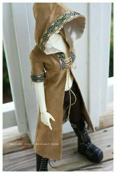 Elven coat hood
