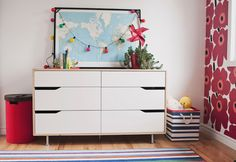 White dreser, map, pink and white girl's room--style-ing w/ children: MissC's Room White Girls Rooms, Bebe Love, Creative Walls, Bedroom Wall, Bedroom Ideas, Fashion Room, Wabi Sabi, Home Decor Inspiration, Sweet Home