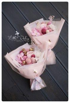François  J. Interiors www.interiordesignbyfrançois.com How To Wrap Flowers, How To Preserve Flowers, Diy Flowers, Flower Decorations, Flowers Garden, Food Bouquet, Candy Bouquet, Edible Bouquets, Floral Bouquets