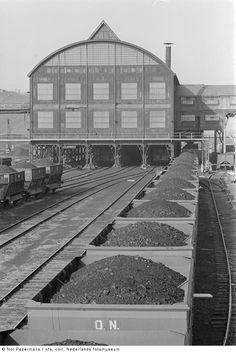 Kolenwagons op het spoorwegemplacement van Oranje Nassau Mijn III, Heerlerheide (1969-1973)