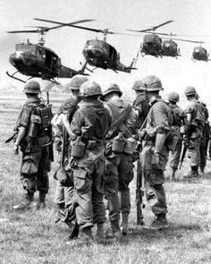1967 US soldiers of the 27th Infantry Regiment 25th Infantry Division Vietnam