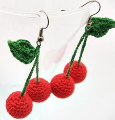 Fuente: https://www.etsy.com/es/listing/125818689/crochet-cherry-earrings-fruit-jewellery?ref=shop_home_active