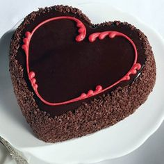 Heart Shaped Cakes - Buy / Send Heart Shape Cake Online to India Chocolate Truffle Cake, Chocolate Strawberry Cake, Tasty Chocolate Cake, Best Chocolate, Chocolate Lovers, Heart Shaped Cakes, Heart Cakes, Heart Shape Cake Design, Cake Recipe For Decorating